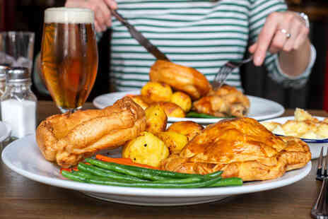 Draft House - Takeaway Sunday roast for one person with a craft beer - Save 60%