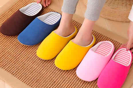PinkPree - Pair of unisex non slip slippers - Save 75%