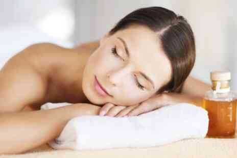 Beauty Worx - Full Body Massage with Dermaplaning Facial - Save 66%