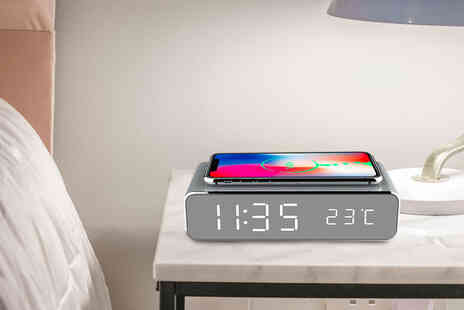 Direct Sourcing - 2 in 1 LED alarm clock and wireless charging pad - Save 0%