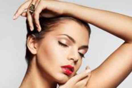 Sugar Salon - Spray tan and either gel or acrylic nails - Save 82%