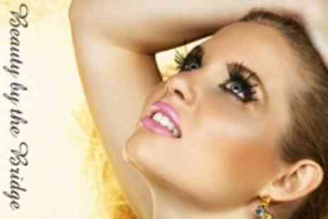 Beauty By The Bridge - Full Set of Eyelash Extensions Plus Sienna X Spray Tan - Save 61%