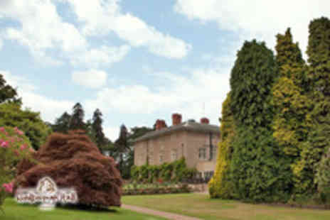 Woodborough Hall - Wedding package for 50 including breakfast, drinks reception & buffet - Save 64%