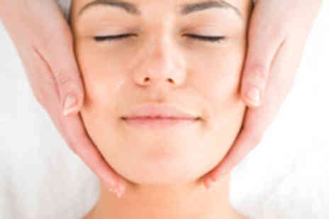 Relax and Revive - 1 Hour Guinot Hydradermie2 Facial - Save 58%