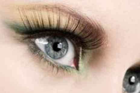 Le Dermex Beauty Clinic - Full set of semi permanent fx lashes plus an eyelash tint - Save 50%