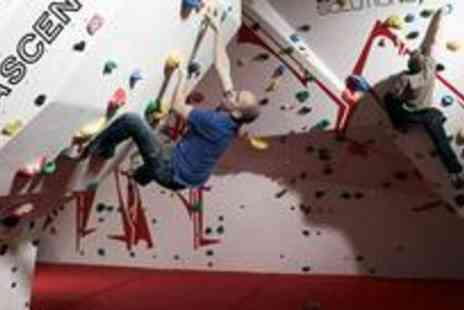 Urban Ascent - One hour beginners indoor rock climbing lesson including entry, shoe hire - Save 67%