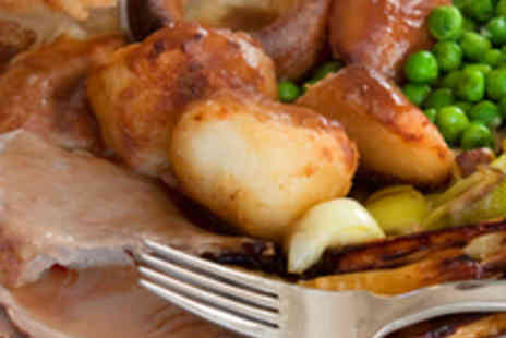 Vista Lounge - Three Course Sunday Lunch for Two with Drinks - Save 51%