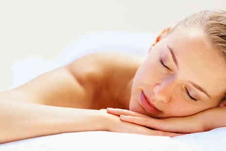Perfect feet Spa & Beauty - 45 min Guinot Facial or Aromatherapy Massage - Save 60%