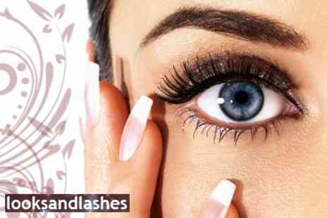 Looks and Lashes - Set of Semi-Permanent Eyelashes - Save 71%