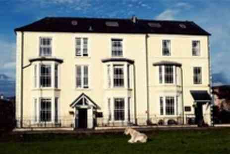 The Meadowsweet Hotel - Two Night Stay For Two With Breakfast, Wine and Appetisers - Save 50%