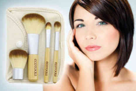 Eggsnog - Organic bamboo makeup brush set with 4 brushes and travel pouch - Save 75%