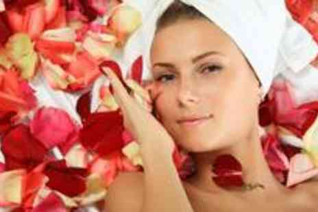 Cyan-Silva Beauty Therapy - Deluxe facial and a 30-minute back, neck and shoulder massage - Save 74%