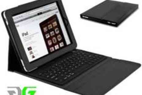Gadget Geeks - iPad Leather Case with Built in Bluetooth Keyboard and Keyboard - Save 63%