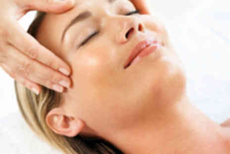 Maureen Butler - Reiki or Indian Head Massage - Save 60%
