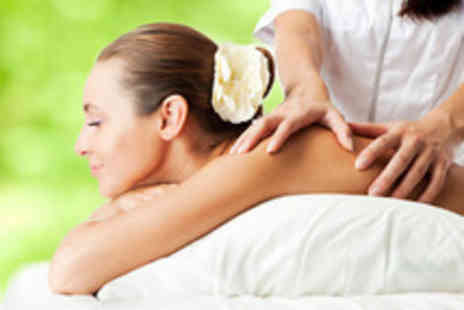 Forever Young - 40 minute aromatherapy massage and glass of wine - Save 76%