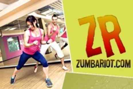 ZR ZumbaRiot.com - Six Zumba Fitness Sessions For Adults - Save 30%