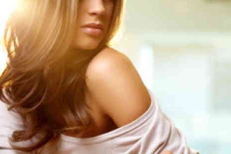 Blooms Hairs - Half head of highlights or semi-permanent colour, deep conditioning treatment, cut & blow dry - Save 73%