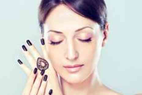The Hidden Beauty - Five courses of eyebrow threading or waxing - Save 75%