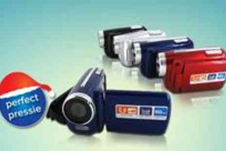 Funky Pig.com - WINAIT Digital Video Camera in a choice of four colours - Save 33%