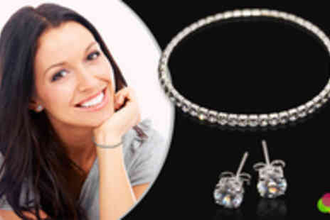 Jewellery Select - Swarovski Elements Bracelet and Earrings Jewellery Set - Save 91%