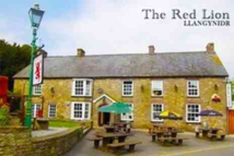The Red Lion - Two Night Stay For Two With Three Course Dinner and Breakfast - Save 36%