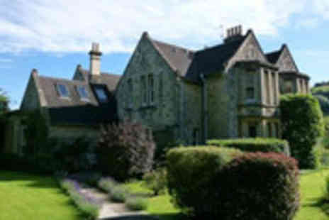 Buyagift - Charming Cotswolds getaway for two in a Victorian guesthouse - Save 55%