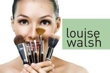 Louise Walsh International - 16 Piece Make Up Brush Set - Save 81%