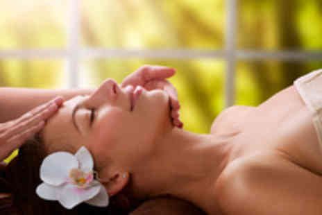 Salon VIP - One hour aromatherapy back massage and facial - Save 72%