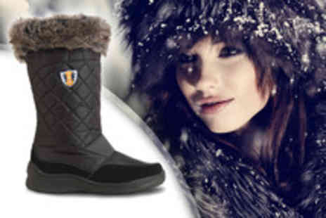 Derby House - A pair of Sno Polar boots - Save 50%