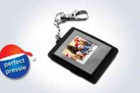 EDD Products - 1.5-inch digital photo frame keyring with an LCD screen display and a long-lasting rechargeable battery - Save 50%