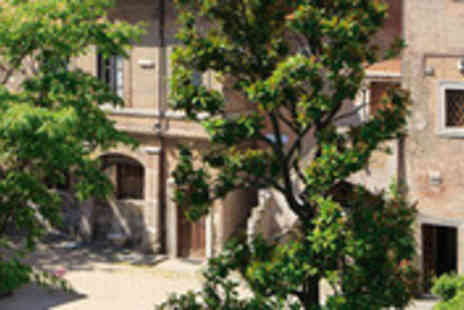 Clear Sky Holidays - Rome city break including return flights and breakfast - Save 62%
