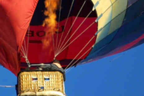 Adventure Events 001 - Hot Air Balloon Flight Experience with Champagne - Save 57%