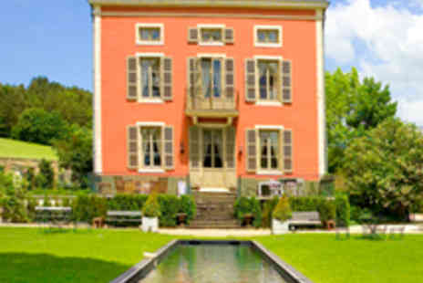Le Chateau de - One Night Stay for Two - Save 57%