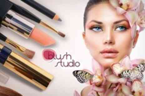 Pose Photography - Make Up Workshop For One - Save 69%