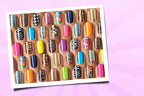 Trend Essential - Express nail art stamping kit funk up your nails - Save 76%