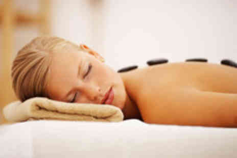 Natural Beauty - 1¼ hr hot stone or aromatherapy massage - Save 64%