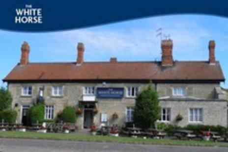 The White Horse - In Rutland One Night Stay For Two With Sparkling Wine and Breakfast - Save 22%