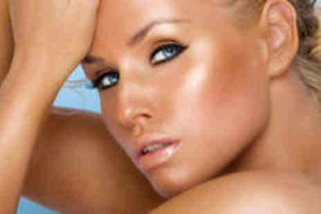 S J Hair & Beauty - Full Body Spray Tan & Party Lashes - Save 50%