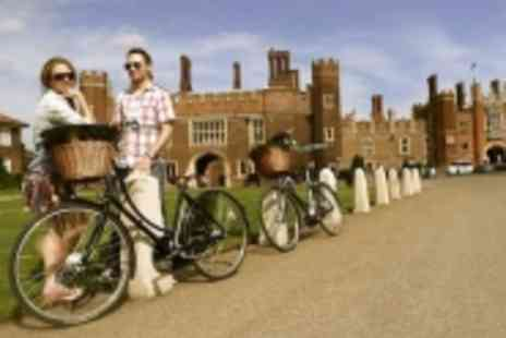 Mind The Gap - Vintage Bike Tour To Beautiful Hampton Court Palace - Save 55%