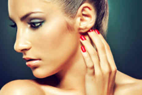 Salon Le Bon - Full body spray tan and your choice of acrylic nails or false eyelashes - Save 72%