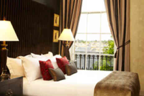 Nira Caledonia - Romantic 2 nt Edinburgh break for 2 inc. breakfast, 3 course meal and a bottle of Champagne - Save 58%