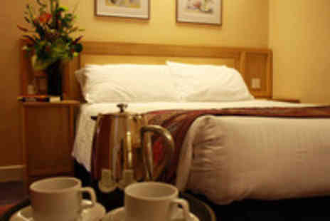 Hallmark Inn - 1nt stay for 2 inc breakfast & late checkout - Save 55%