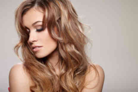V Salon - Wash, cut, blow dry & half head of highlights - Save 58%