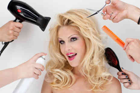 Leticia Haute Coiffure - Deep conditioning treatment, head-massage, blow dry, eyebrow threading and manicure - Save 63%
