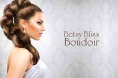 Betsy Bliss Boudoir - Hair Extensions Full Head to Shoulders - Save 68%