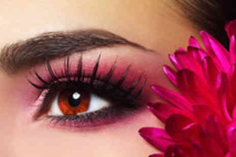 La Cherie - 3D Brows, including waxing, threading, tweezing and tinting - Save 55%
