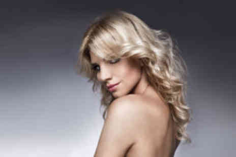 I Candy Hair & Beauty - Highlights, cut and finish  - Save 74%