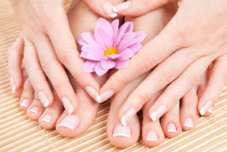 Le Chic Nails & Beauty - Luxury manicure and pedicure - Save 70%