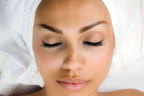 Blonde Ambition - Steam Facial - Save 51%