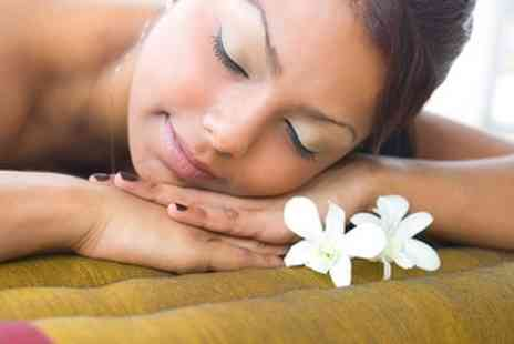 be Complementary Therapies - Aromatherapy Hot Stone Back Massage - Save 60%